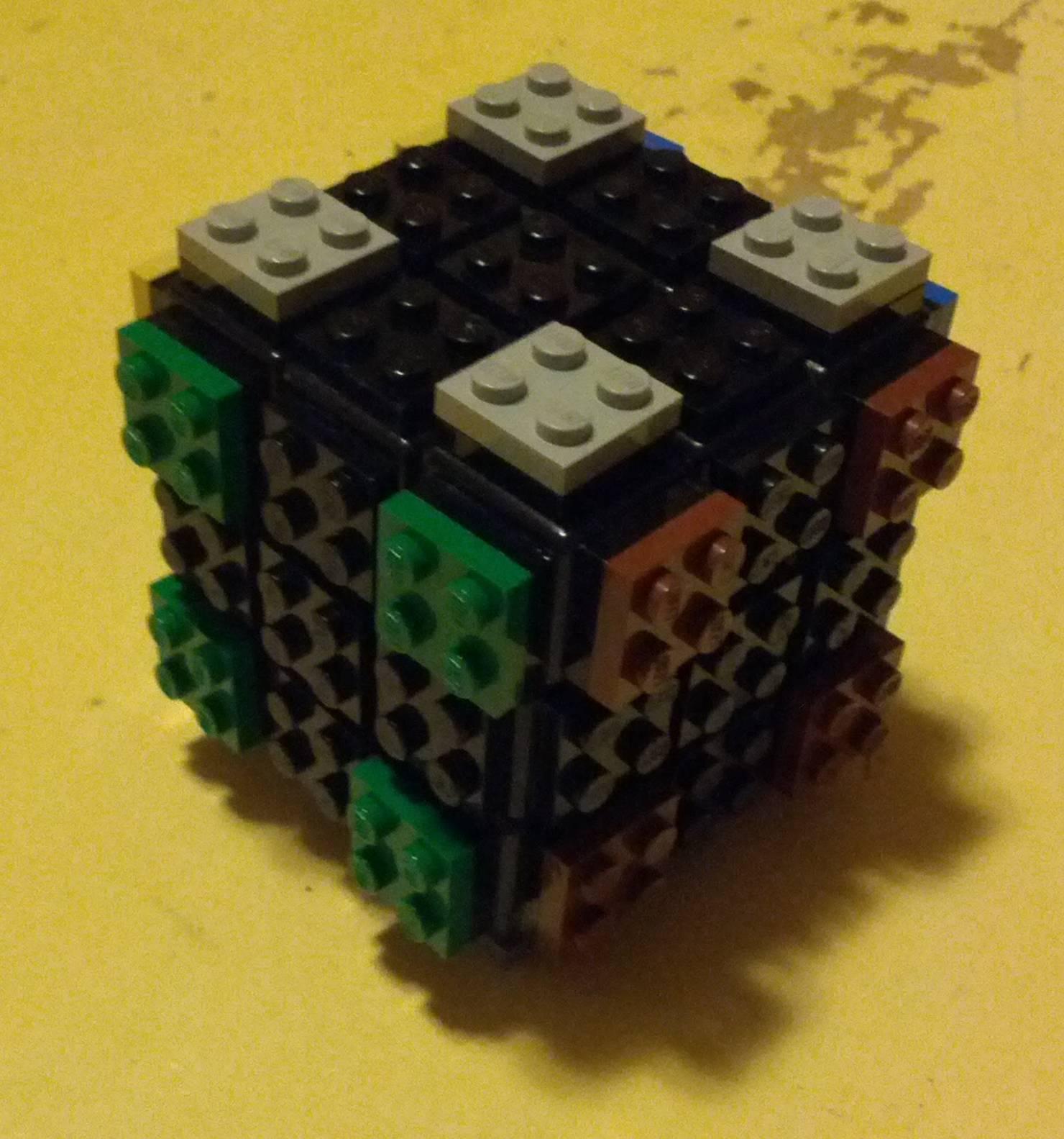 2x2 lego cube
